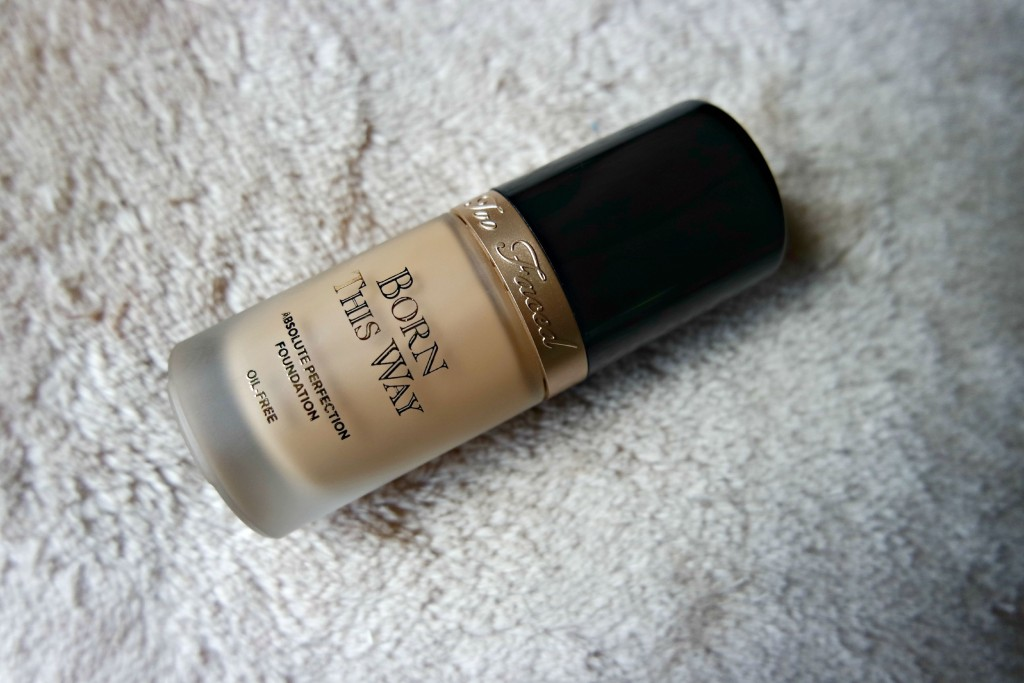 Too Faced Born This Way Foundation 03