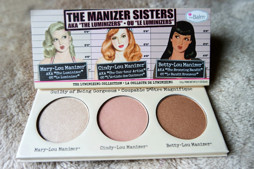 The Manizer Sisters 03