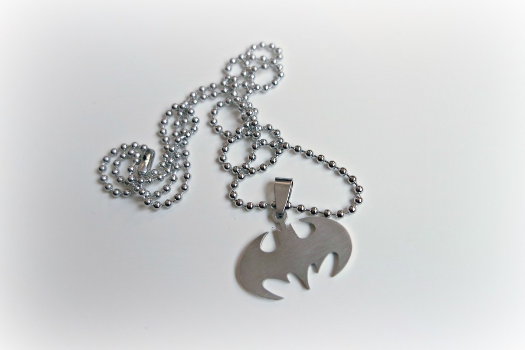Batman Bat Symbol Necklace 01