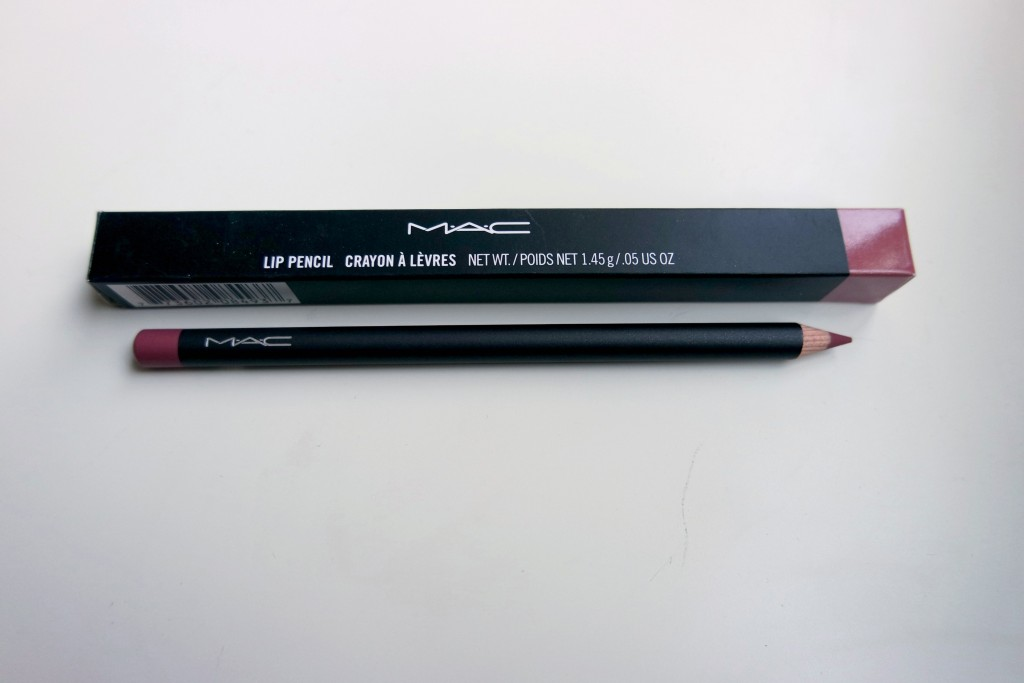 MAC Soar Lip Pencil 01