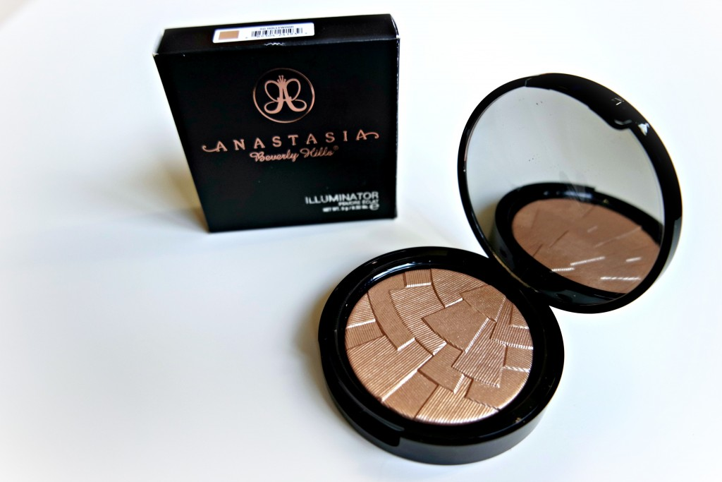 Anastasia Beverly HIlls So Hollywood 01