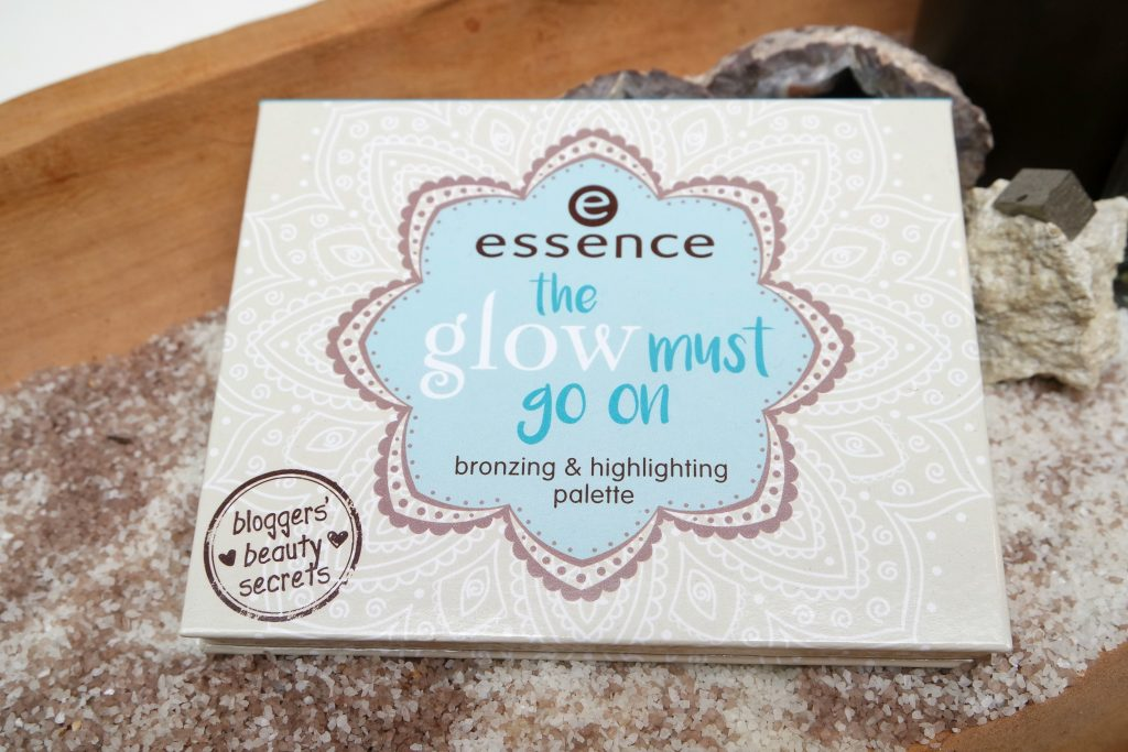Essence the Glow Must Go On palette Beautylab 01
