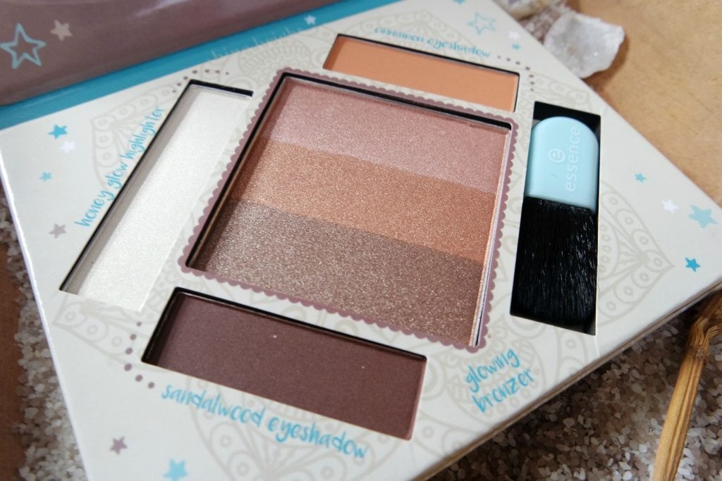 Essence the Glow Must Go On palette Beautylab 05