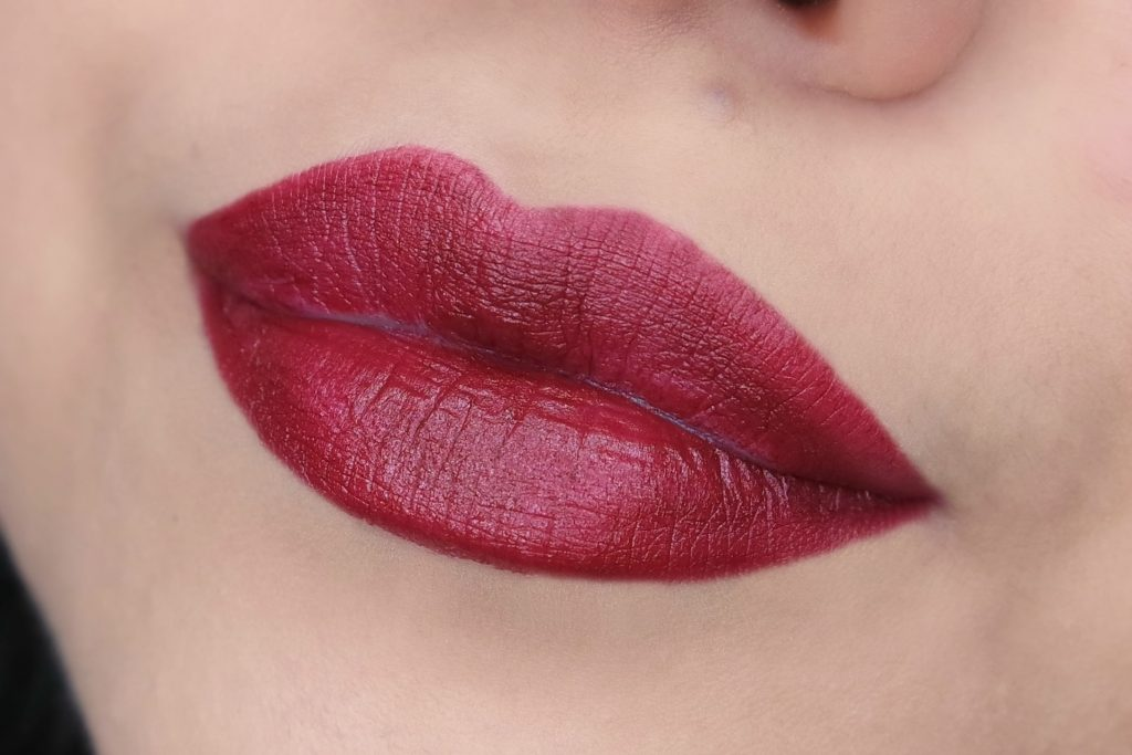 babor-age-winter-2016-matte-lip-color-in-red-grape-swatch-01