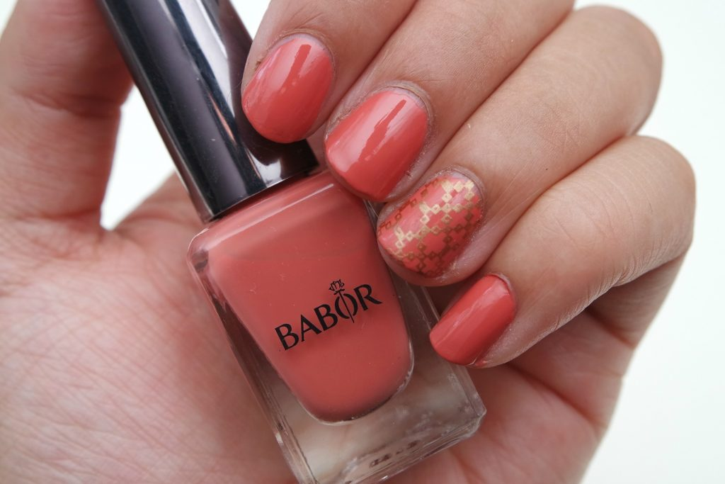 babor-nail-polish-06-orange-sundown-swatch