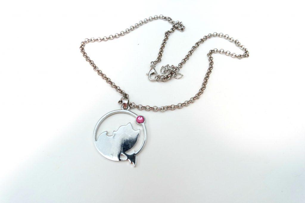 gamer-girl-monthly-september-2016-final-fantasy-moogle-necklace-02