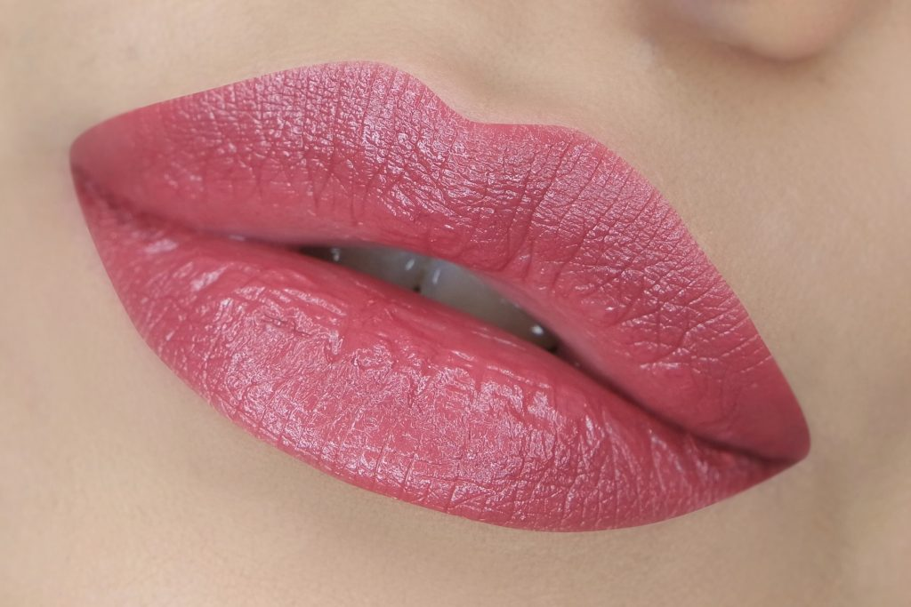 bobbi-brown-true-rose-lipstick