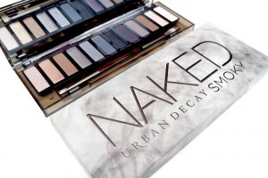 Urban Decay Naked Smoky Palette - Feelunique