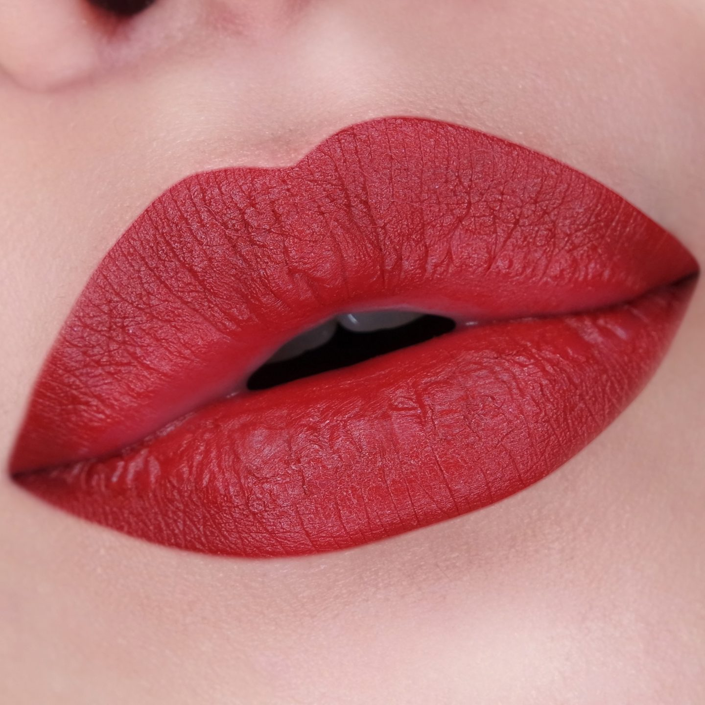 Estée Lauder Pure Color Love Lipstick in Burning Red Swatch
